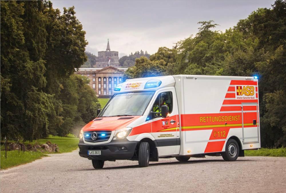 Innovations-Rettungswagen in Dienst gestellt - Wegweisende Technik ...